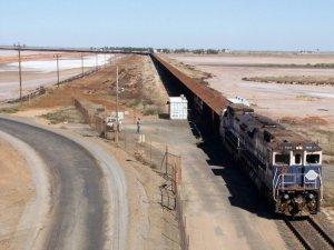 iron-ore-train